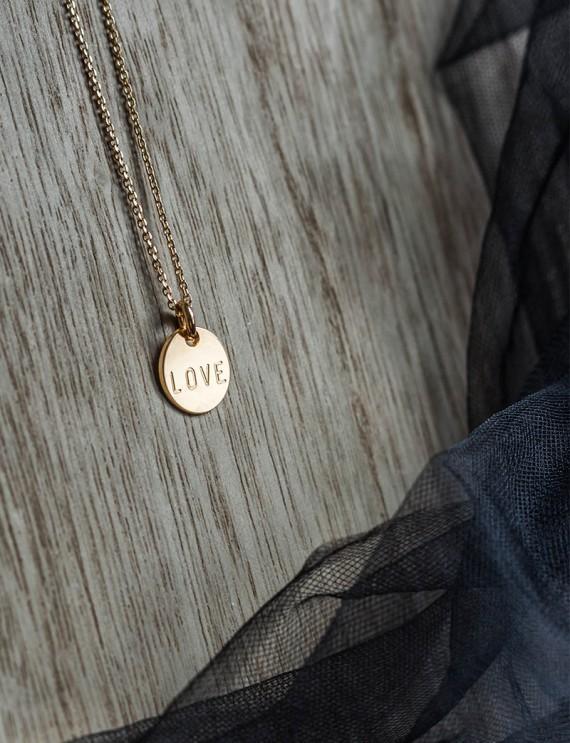 "Collier médaille ""LOVE"""
