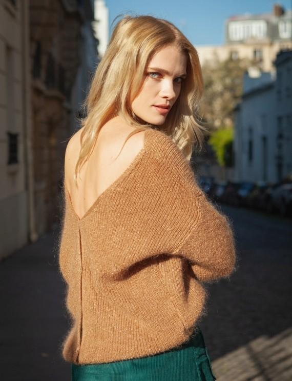 Simon camel sweater